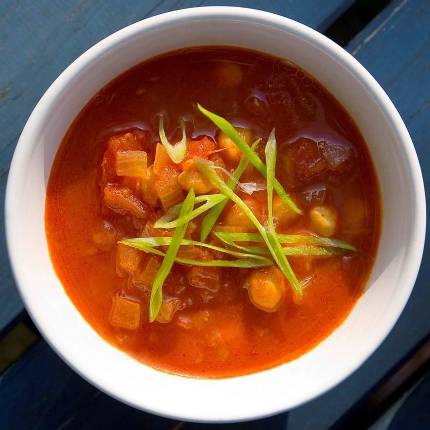 Krydret tomat-kikærte suppe (Lisbeth Tordendahl)