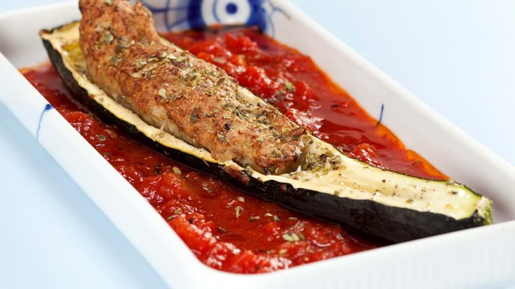 Farseret squash med tomatsauce