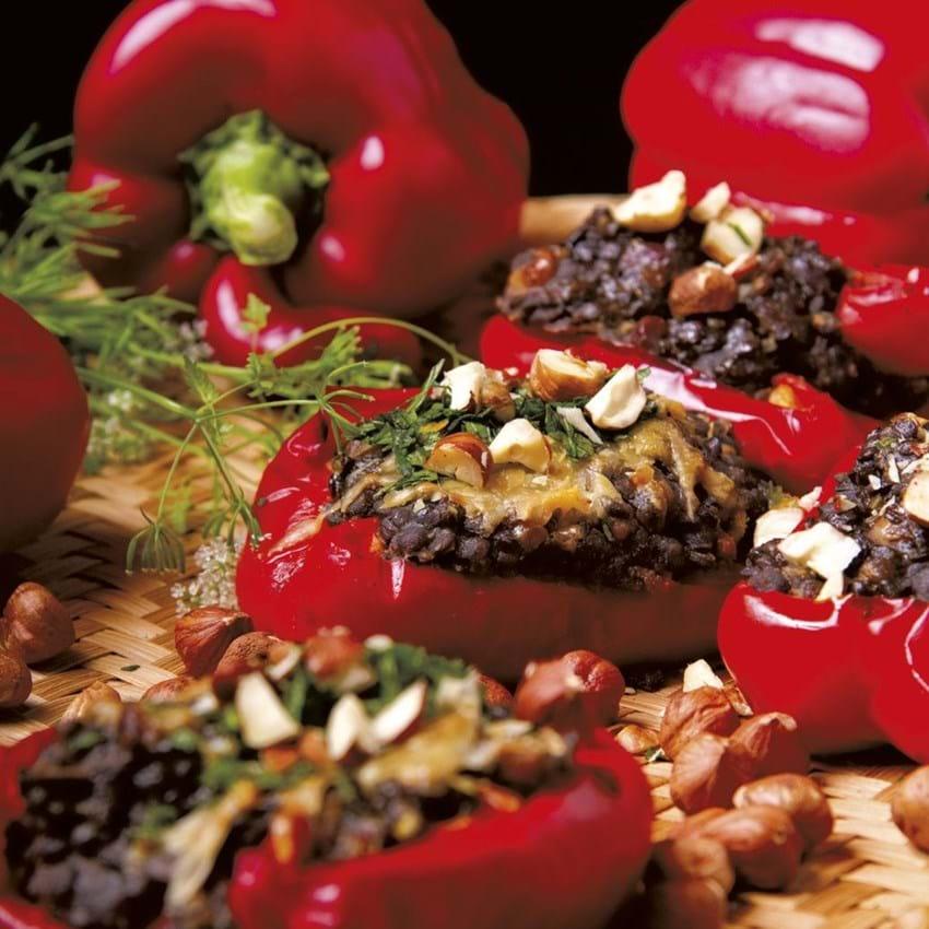 Peberfrugter med nødde-linsefyld (Lise Faurschou Hastrup)
