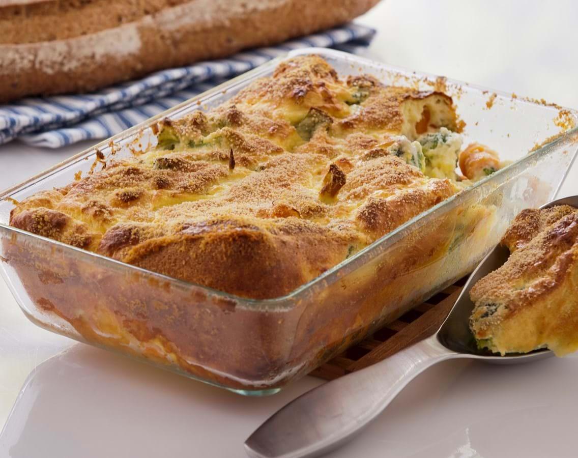 Grøntsagsgratin med broccoli, gulerod og lidt ost