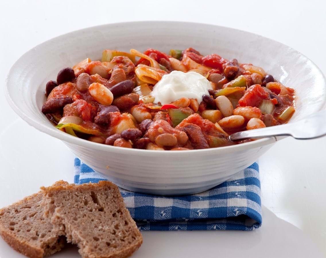 Chili-gryde med bønner og tomat