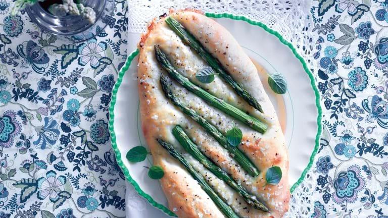 Focaccia med asparges