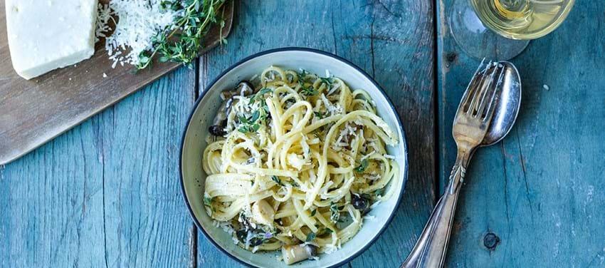 Pasta carbonara med svampe & timian