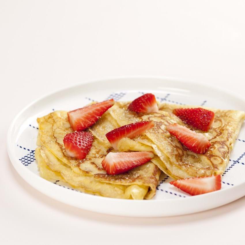 Gammeldags Pandekager Opskrift Med Friske Jordbær Se Her
