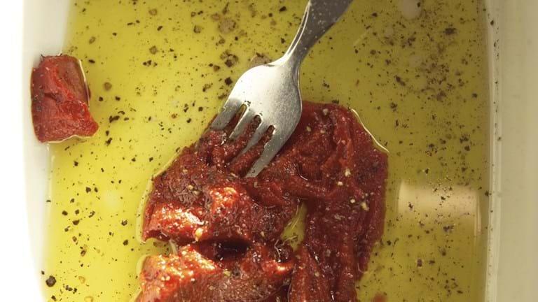 Tomat og olie-marinade