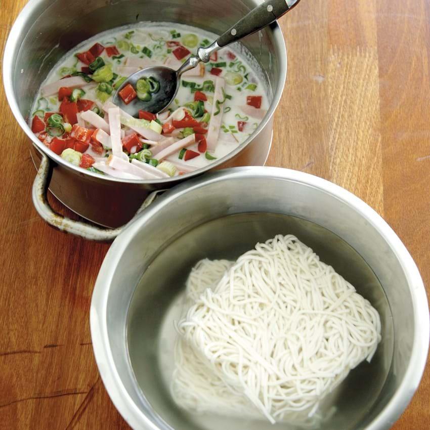 Hamburgerryg med grøntsager i kokosmælk