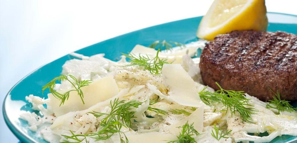 Grillbøf med blomkåls crudite med citron, dild og parmesan