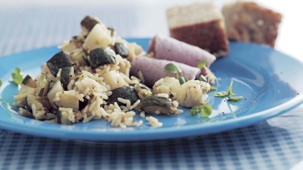 Ris- og sellerifad med skinke