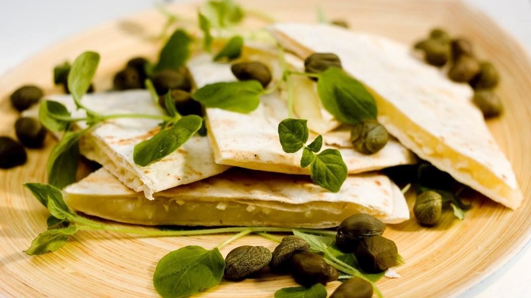 Tortillas med ost og peberrod