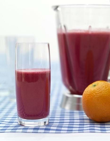 Fuldkornssmoothie med appelsin og rødbede