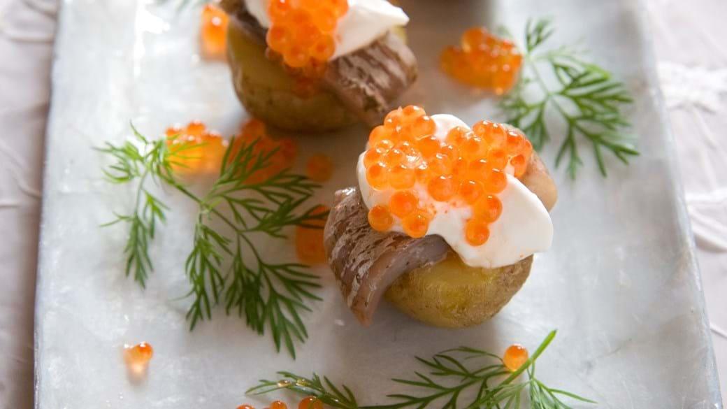 Små bagte kartofler med matjessild
