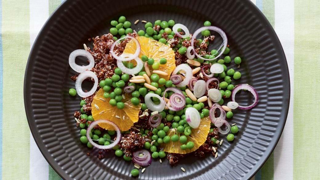 Ærtesalat med rød quinoa
