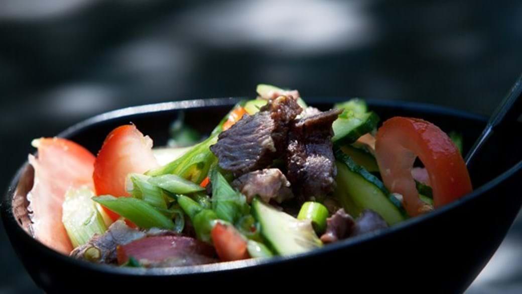 Bøfsalat med tomat og agurk