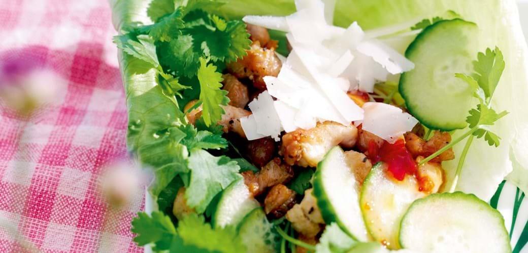 Salatruller med ost og krydret kylling