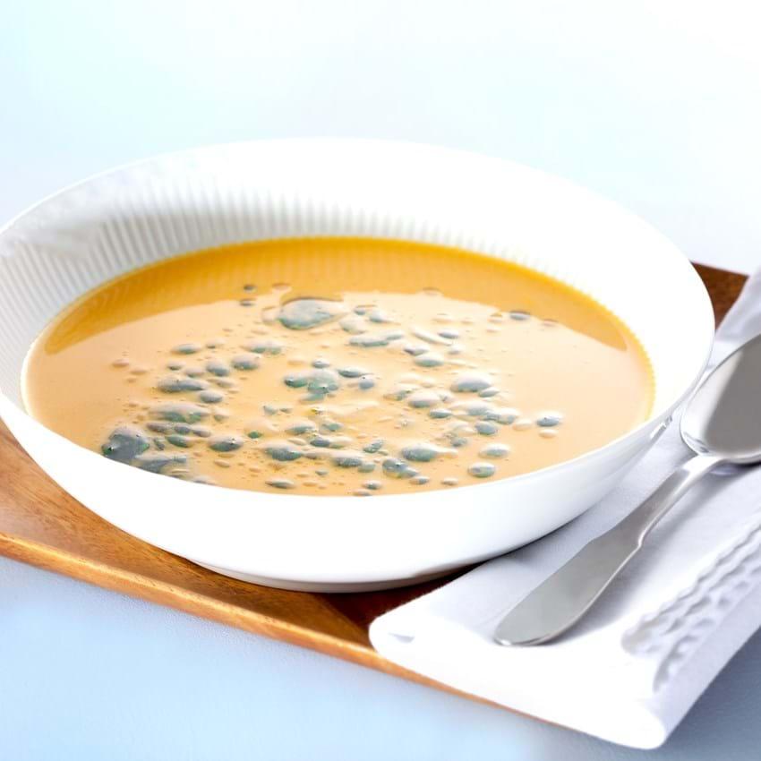 Græskarsuppe med krydderurteolie