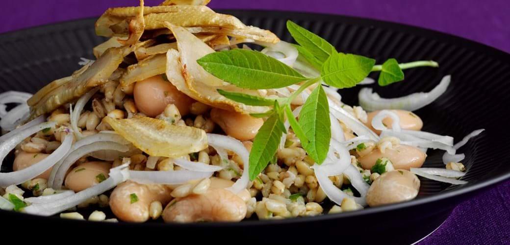 Rugsalat med artiskok og bønner