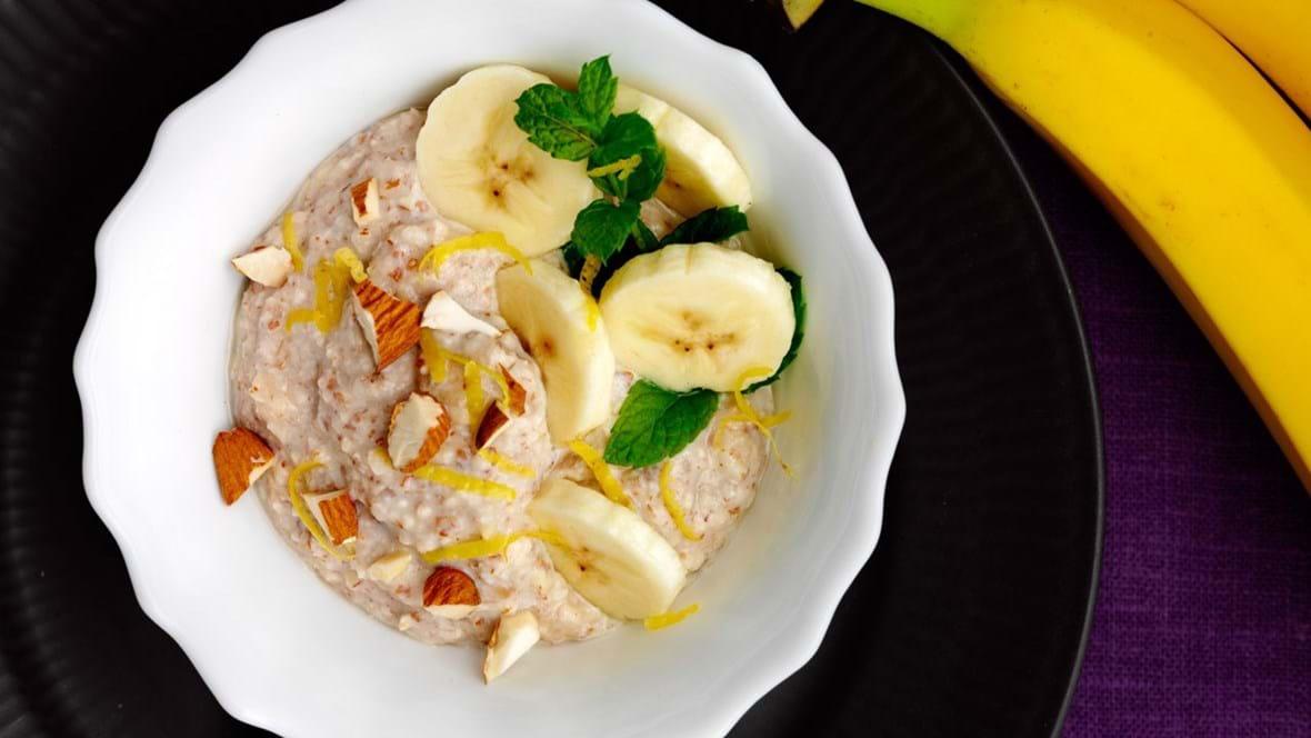 Godmorgen-lækkerier – Bananyoghurt - og mandelmousse