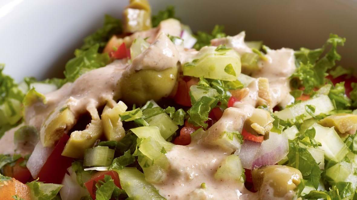 Sprød salat med tahindressing