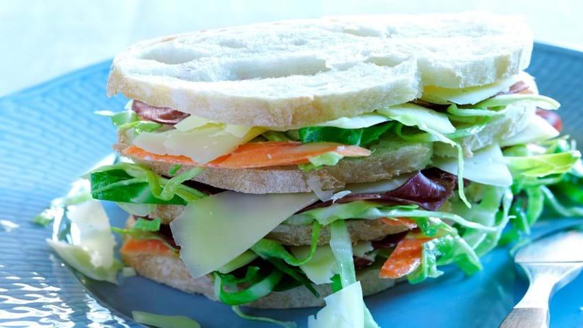 Sandwich med Vesterhavsost og bresaola