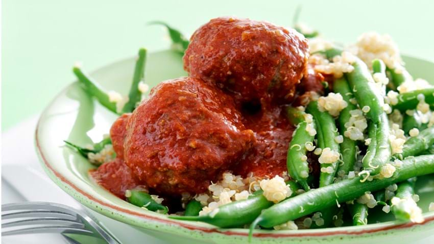 Kødboller i stærk tomatsauce