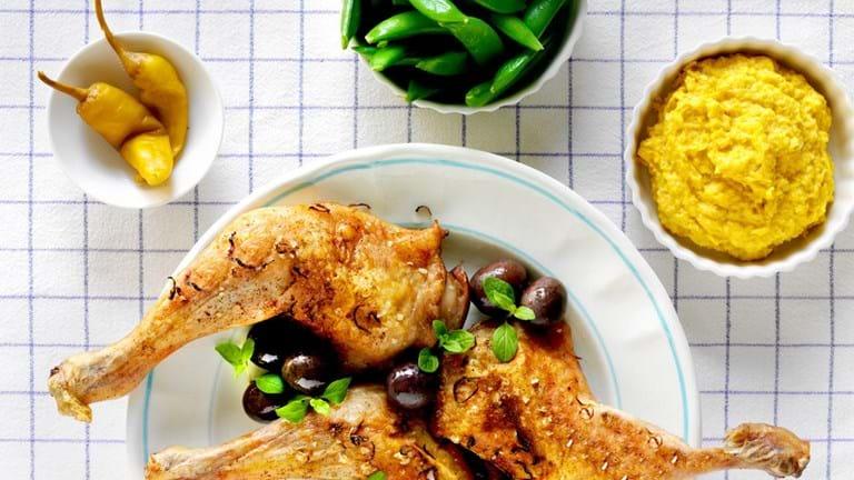 Marinerede kyllingelår med majspure og sugarsnaps