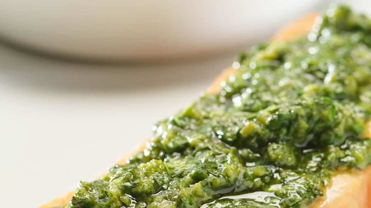 Laks med grøn pesto