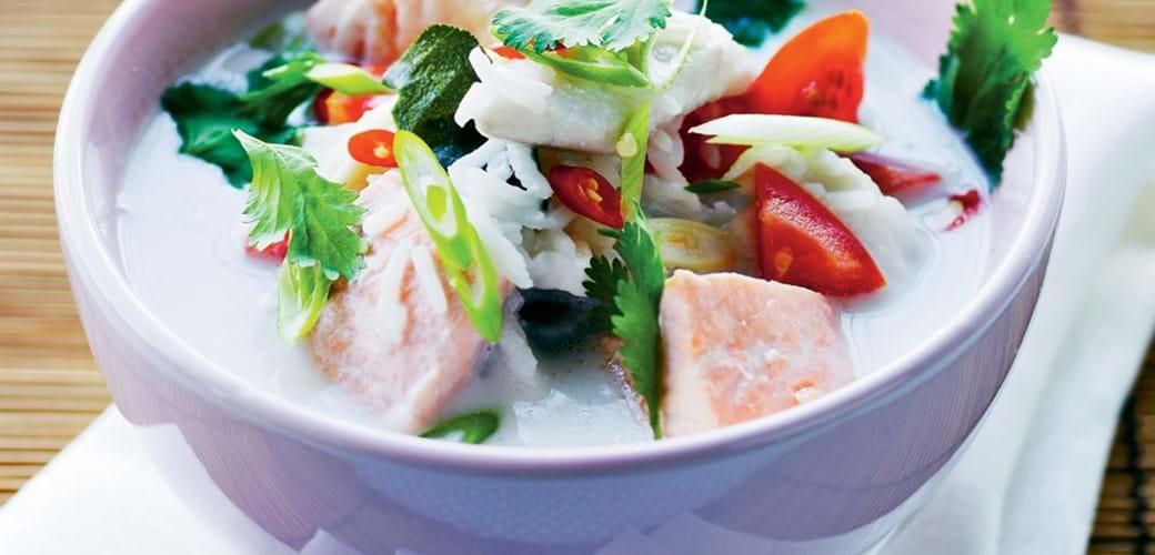 Stærk thailandsk fiskesuppe