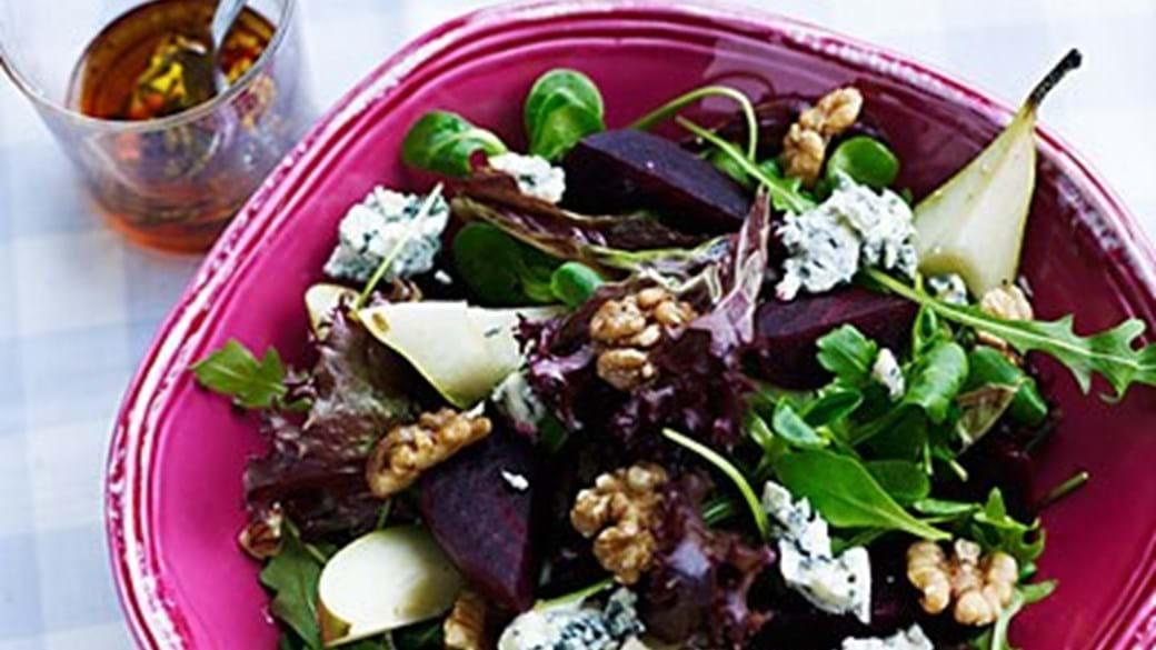 Rødbedesalat med pærer og blå ost