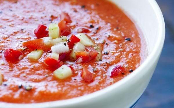 Kold tomatsuppe gazpacho