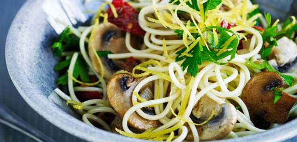 Svampesaute med pasta