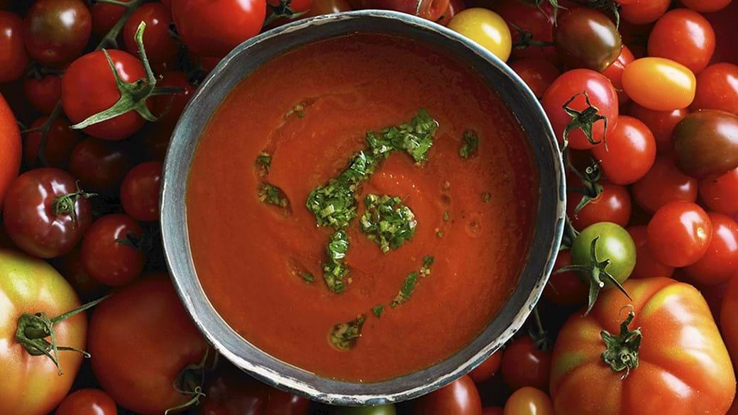 Tomatsuppe på friske tomater med gremolata