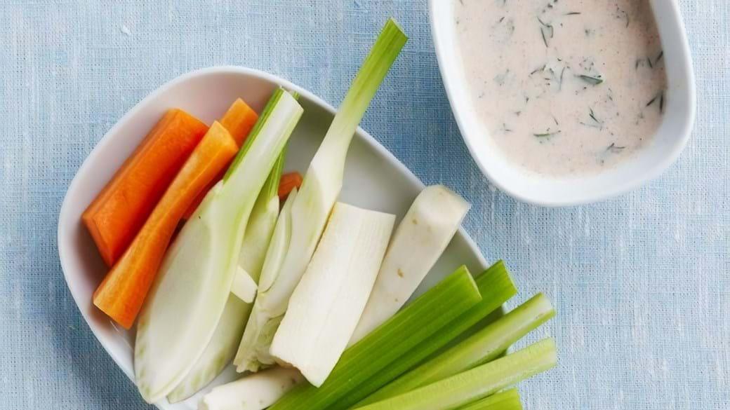 Grøntsager med krydderurtedip