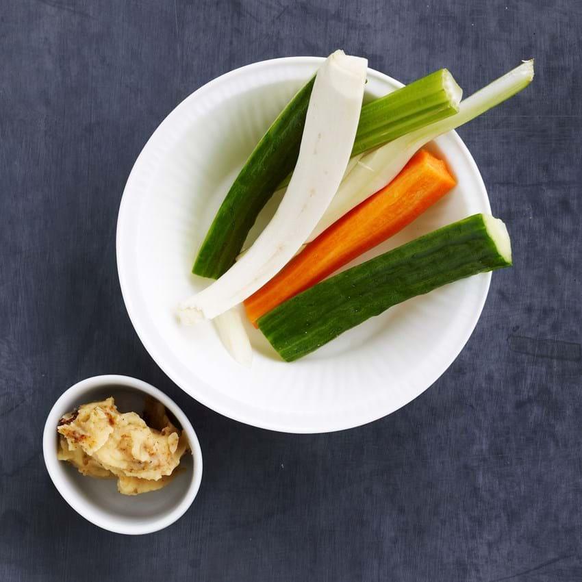 Grøntsager med humusdip
