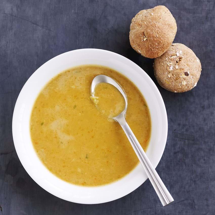 Grønsagssuppe med rugbolle