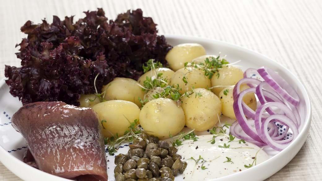 Kryddersild med nye kartofler og creme