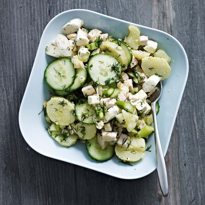 Salat Opskrift Med Asparges Agurk Feta Og Kalkun Se Her