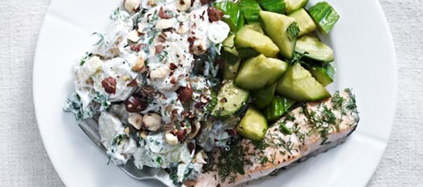 Kartoffelsalat med laks