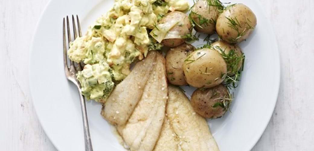 Nye kartofler og rødspætter med grov remoulade