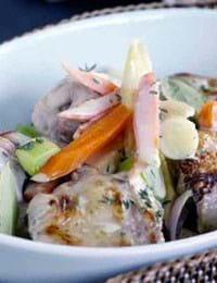 Kaninragout med gulerødder, porre, pastinak og timian