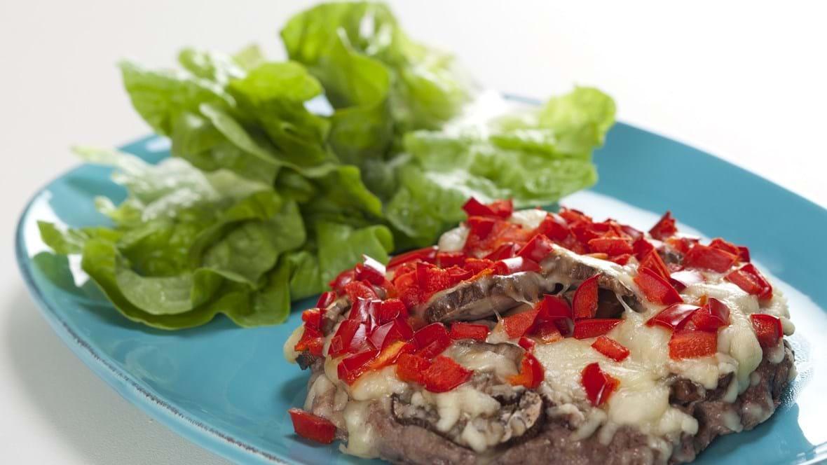 Meatzza med svampe og peberfrugt