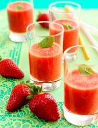 Jordbærsmoothie med appelsin og ingefær