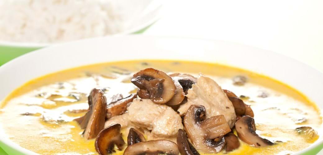 Mulligatawny – karrysuppe med kylling, svampe og ris