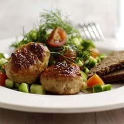 Frikadeller med salat