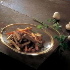 Fyldte skinkeschnitzler med lynstegte grøntsager