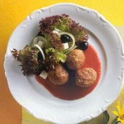 Græske kødboller i tomatmarinade