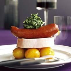 Hamburgerryg og kålpølse med sønderjysk grønlangkål og brunede kartofler