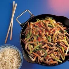 Kinesiske ægnudler med skinkestrimler