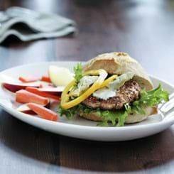 Mediterranean burger med artiskokker