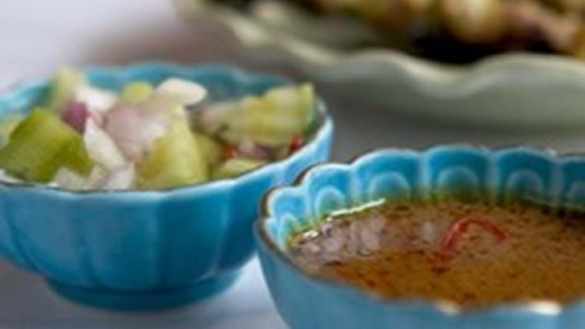 Sataysticks - marineret svinekød med peanut-sauce