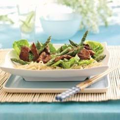 Skinke Bites og grønne asparges i oystersauce